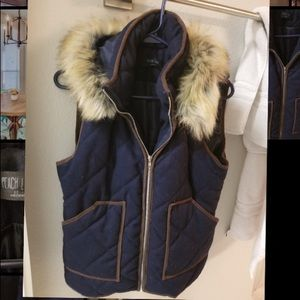 LIKE NEW - VEST WITH REMOVABLE FUR HOOD